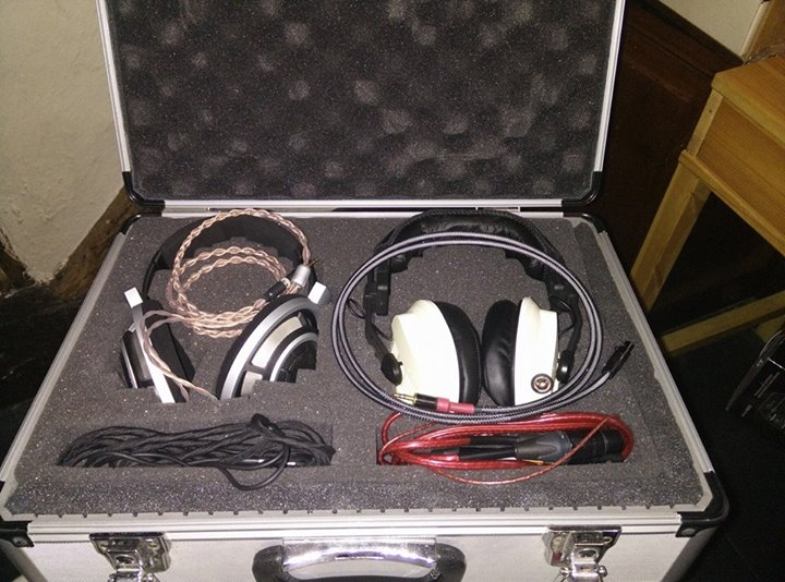"InEarSpace: ""Inside of my headphone travel case. On the left are my Sennheiser HD800 with the plusSound Exo Copper for Astell&Kern MQS Portable System AK240 connected and the stock cable underneath and on the right is the ZMF Headphones V2 with its stock cable and a Nordost Cables Heidmall2 for HD800 beneath it!"""