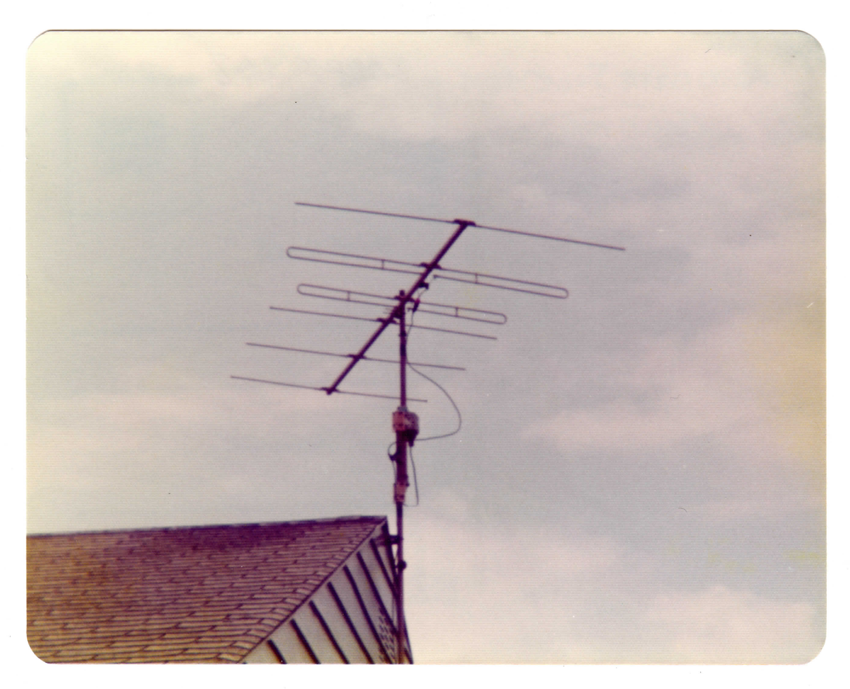 My Finco FM4G and Alliance U-100 on Mom - Dad's roof circa 1975