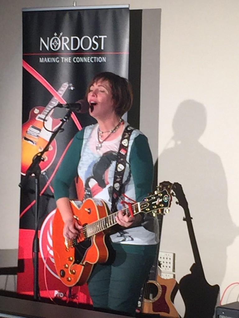 Eleanor McEvoy performing some of her hit songs, using Ax Angel cables!